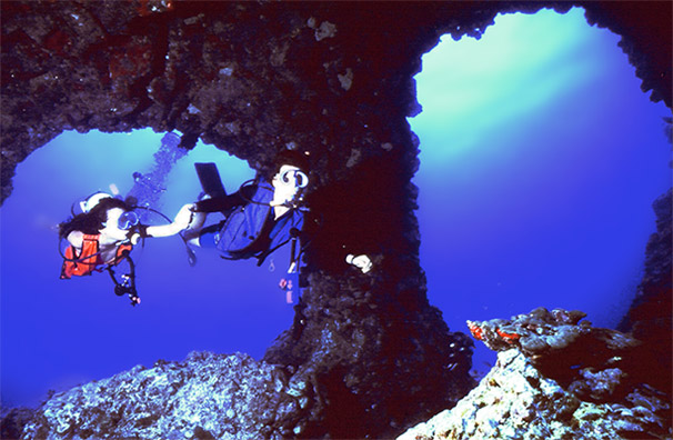 Best Hawaii Lava Tube Scuba Adventures - Hawaii Ocean Sports